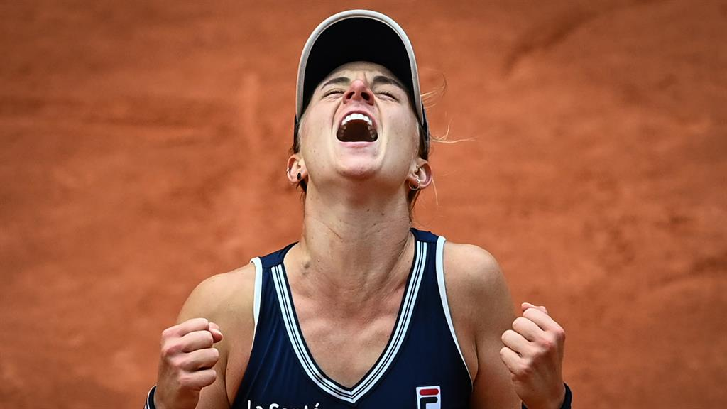 Podoroska makes French Open history