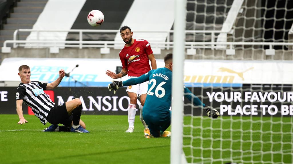 Bruno Fernandes left shocked after Aaron Wan Bissaka's stunner against Newcastle