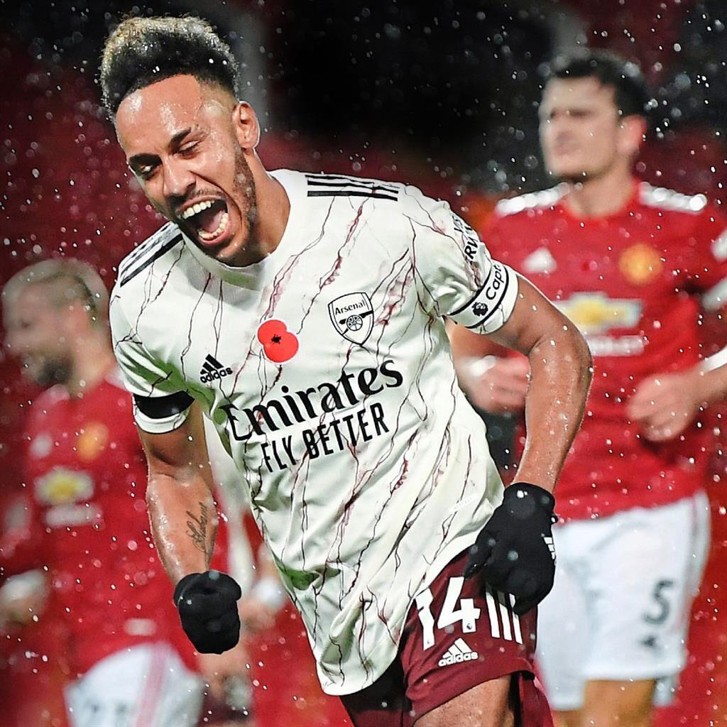 Solskjaer bemoans lack of fight as Manchester United flop at home again