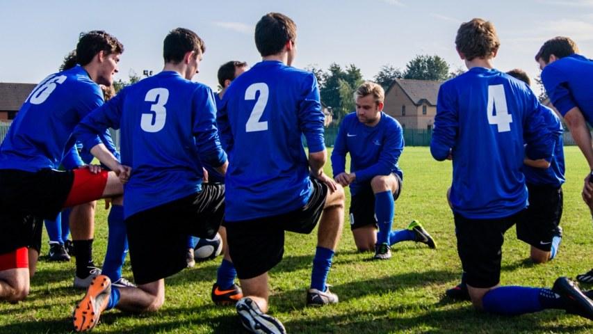 football-team-1_2560x1440_acf_cropped