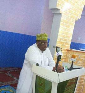 Sawir: Masjid ku yaal Madaxtooyada P/land oo lagu xardhay calanka maamulkaas