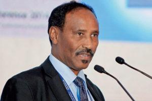 Somalia :Wasiirka Beyle oo Bang Adduun ka saxiixay 1 Milyan oo doolar