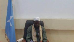 Somalia :Muxuu Abuu Mansuur Roobow kaga duwan yahay hogaamiyaashii dowladda isku soo dhiibay