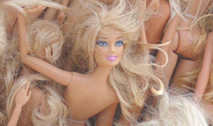 Way are fashion dolls so skinny