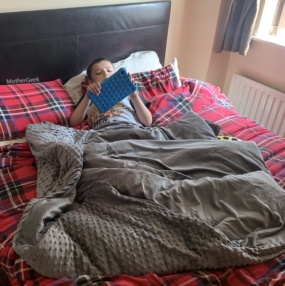 Xalm Weighted Blanket in use