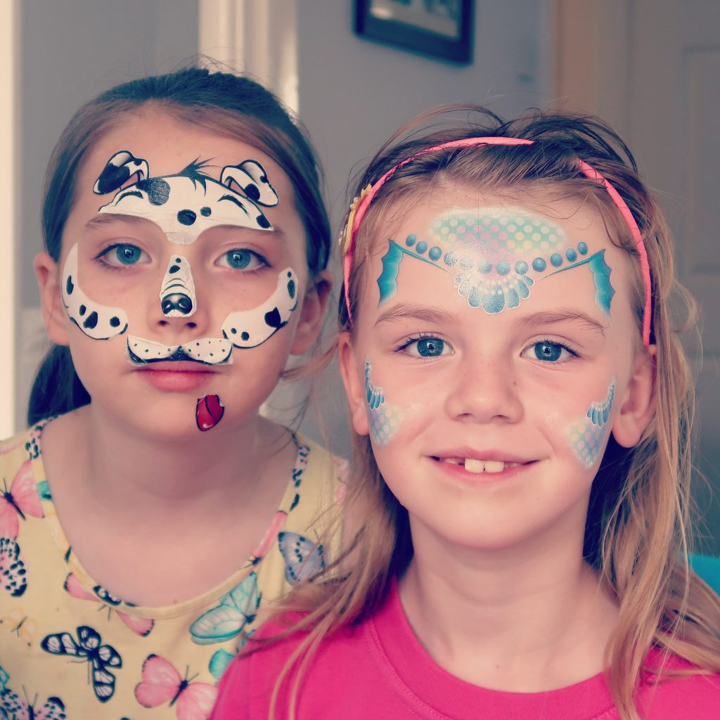 Face Paintoos Party Pack Review - Dalmatian and mermaid