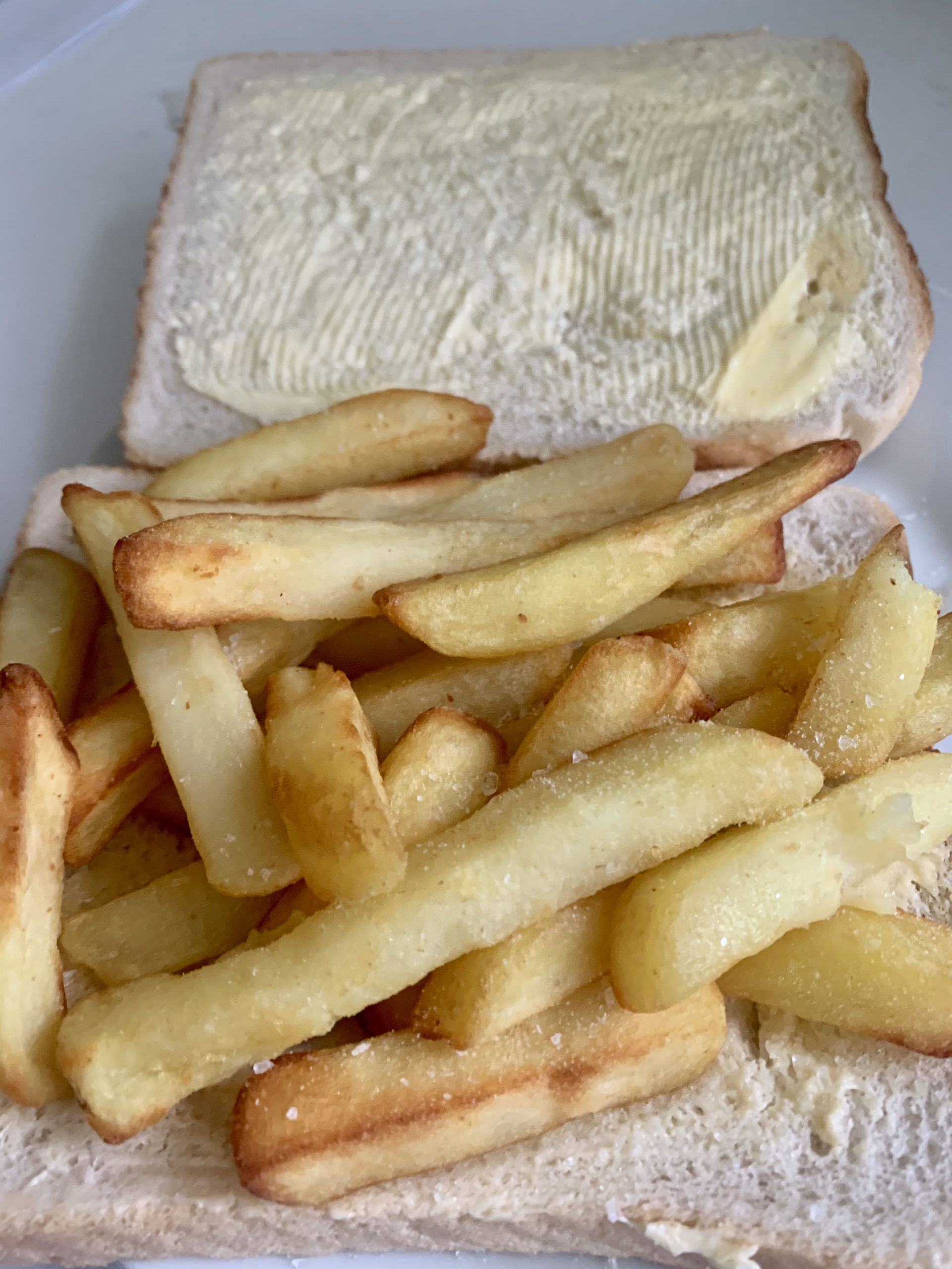 chip butty made with the vonhaus 1.5l air fryer