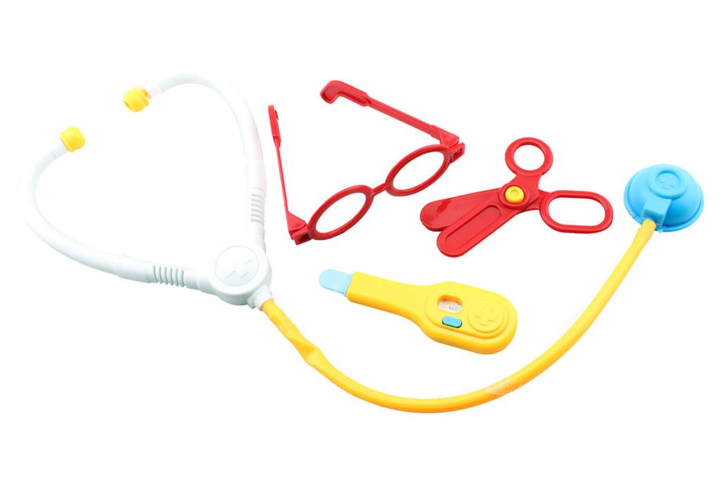 Plastic toy doctors playset