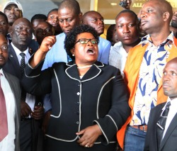 Mujuru must shape up or ship out