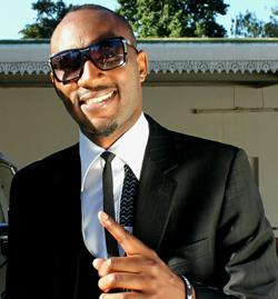 Mudiwa gives God '10 over 10′ in new single  Ndaita mari … Mudiwa Hood during the video shoot for his new single