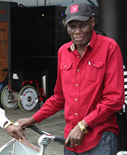 Mtukudzi  rocking Australian sub-continent  Having a great time … Oliver Mtukudzi and his family on arrival in Australia