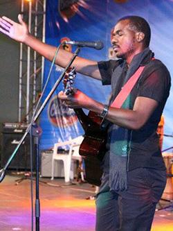 Philanthropic  Zim artist honoured in SA