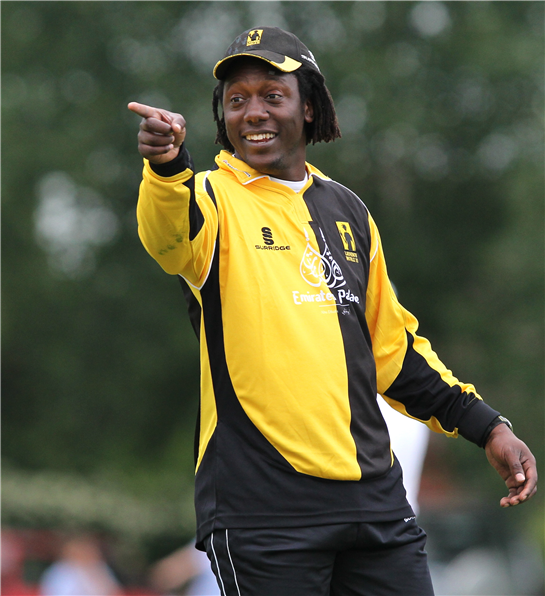 Olonga's star turn as singer and coach at UK cricket club