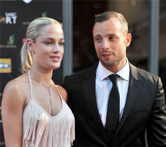 Girlfriend wanted to leave Pistorius, mother claims