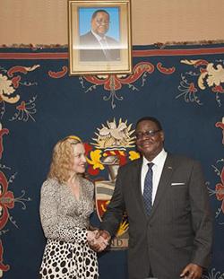 'VIP' Madonna wins new Malawi president's praise