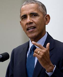 'Comedian'  Obama tosses zingers political foes