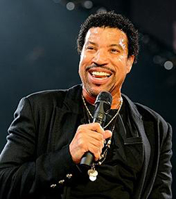 Lionel Richie reveals romantic ups and downs in interview
