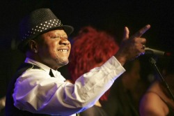 Congolese star Papa Wemba dies after collapsing on stage