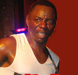 Macheso  hectored at Harare show over Mugabe links