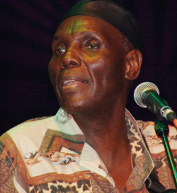 Kenya: Iconic Oliver Mtukudzi electrifies Kisumu city