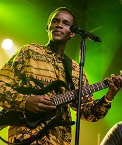 Munya  Nyamarabvu: Strums the guitar like Tuku, and is just as trim of build too  Fusinng cultures: Munyaradzi Nyamarebvu and Elisa Von Wallis in Germany