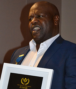 Ezra Sibanda among Community Pioneers honoured at Zim Achievers – FULL  2017 Winners List  Ezra Sibanda at the 2017 Zimbabwe Achievers Award last Saturday