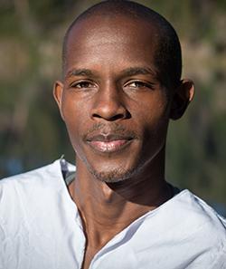 Munnya Usuwana: The  man behind the mic