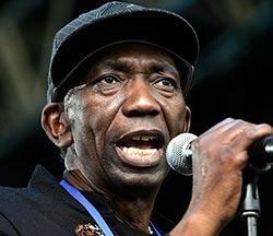 Thomas Mapfumo not going to Zim, says spokesperson