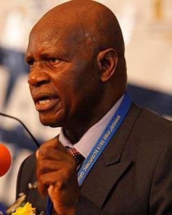 Chinamasa:  Foreign banks sanctioning us
