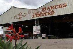 Steelmakers  courts Indian investors