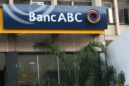 Bank defends $5 Zimdollar compensation