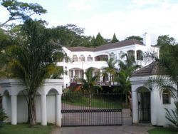 Upmarket Pandhari Lodge in Harare to be auctioned Friday