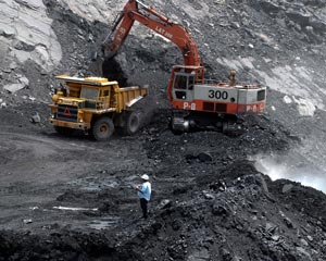 Hwange Colliery machinery goes under hammer over unpaid debts