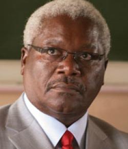 Minister says  banks should open Sundays