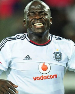 Club-hunting Chinyama trains with Wits
