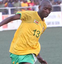 Khama Billiat signs for Mamelodi Sundowns