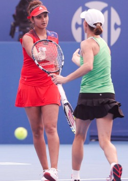 Comeback mom Cara wins China Open