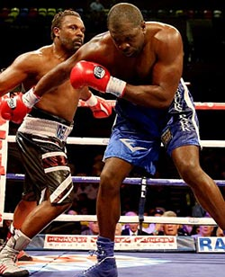 Chisora eases to Johnson win, eyes Fury