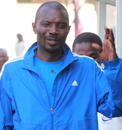 Determined Chapungu stun Dynamos  More league woe … Dynamos coach Calisto Pasuwa (left) left reeling by Chapungu