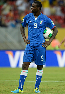 Balotelli: England hide their racists better than Italy