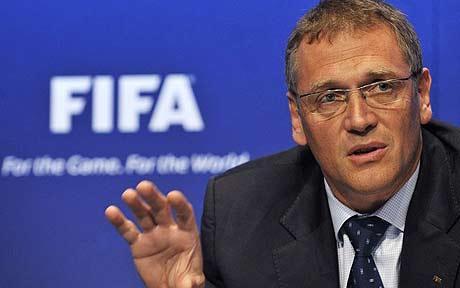 Cuthbert Dube row, FIFA  threatens Zimbabwe ban  Under fire … ZIFA president Cuthbert Dube and chief executive Jonathan Mashingaidze