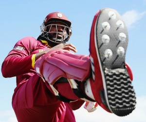 Gayle  savages Zim, smashes records