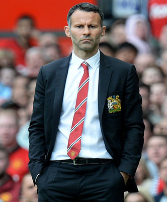 Louis van  Gaal riled by talk of Ryan Giggs rift