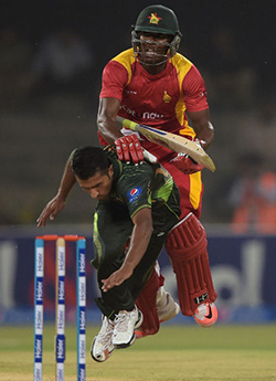 Pakistan beat Zimbabwe in 1st Twenty20