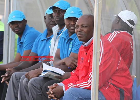 Mutuma brace  spoils Sunday Chidzambwa's Rufaro return  Eyes on the ball … Dyanmos' Rodreck Mutuma works his way past Kariba's George Magariro