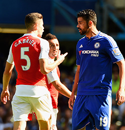 Mourinho  renews Wenger war of words