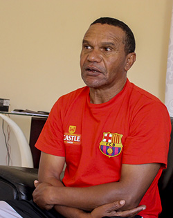 Chapungu  dump Chicken Inn out of Chibuku Cup  Chibuku Cup upset at National Sports Stadium… Chicken Inn coach Joey Antipas