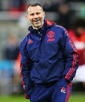 Yorke wants Giggs in charge of Manchester United
