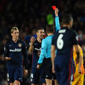 Barcelona protected, fumes Torres after red card