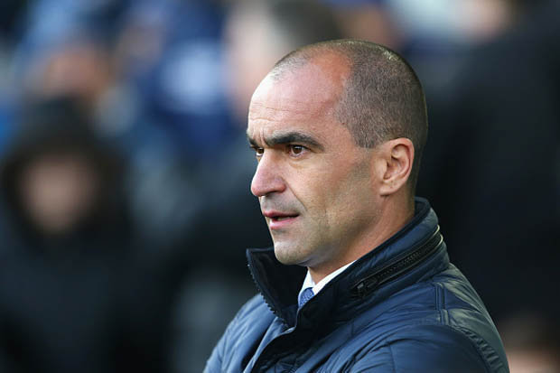 Everton sack coach Martinez, De Boer linked
